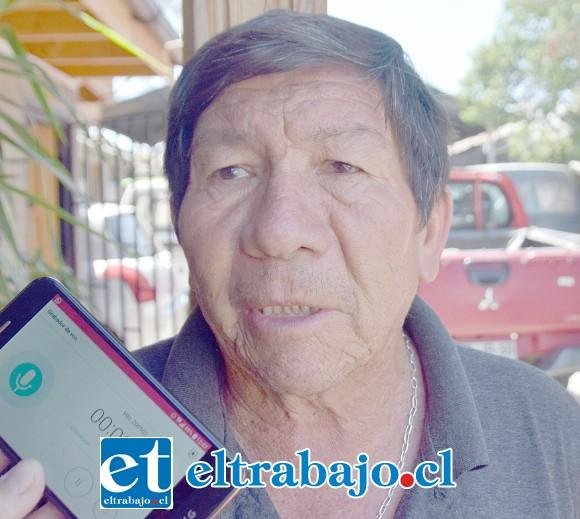 Pedro Carvajal, pide a las autoridades que por favor reparen esta vía local.