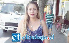 María Delgado, madre de Martín, quien va a realizar un bingo el día sábado 15 de febrero para costear exámenes.