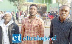 Tres inmigrantes haitianos también rindiendo la PSU.