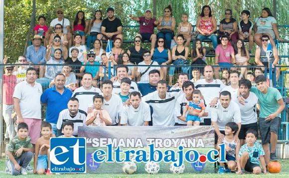 PODERÍO DEMOSTRADO.- El Club Deportivo Colunquén, de Panquehue, desafiantemente conquistó el tercer puesto del torneo, venciendo 2-1 al anfitrión Club Deportivo Juventud La Troya.