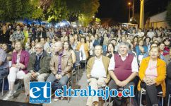 Autoridades y vecinos en la Plaza Fernando Aldunce, disfrutando de las Jornadas Musicales que por cuarto año se realizan en Rinconada de Silva.