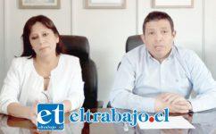 Mireya Ponce, directora del Cesfam Valle Los Libertadores, junto al alcalde (S) de Putaendo, Fabián Muñoz, al momento de confirmar el primer contagio en esa comuna.