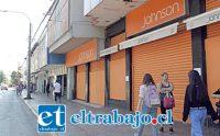 CIUDAD EN SUEÑO.- Así luce la mayoría de locales comerciales en el centro de San Felipe y no se vislumbra un revés para que esta situación cambie.