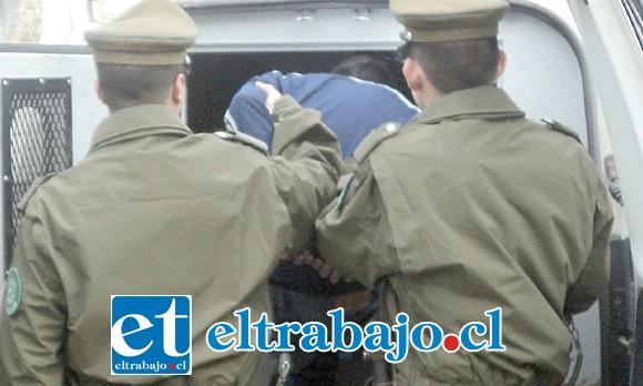El imputado fue derivado hasta tribunales por Carabineros sindicado como el autor de robo con intimidación ocurrido en Catemu. (Foto Archivo).