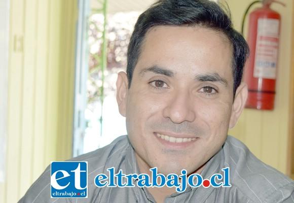 Profesor de violín de la escuela, Juan Palza.