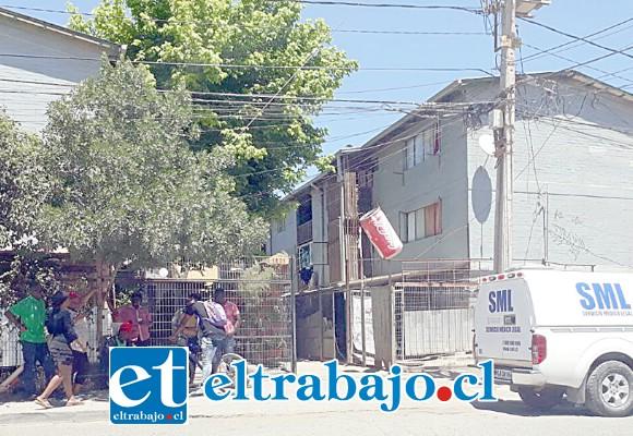 En horas de la mañana de ayer lunes el cuerpo de la ciudadana haitiana de 36 años de edad fue levantado por el Servicio Médico Legal de San Felipe para la práctica de la autopsia de rigor. (Foto: EmerVCordillera).