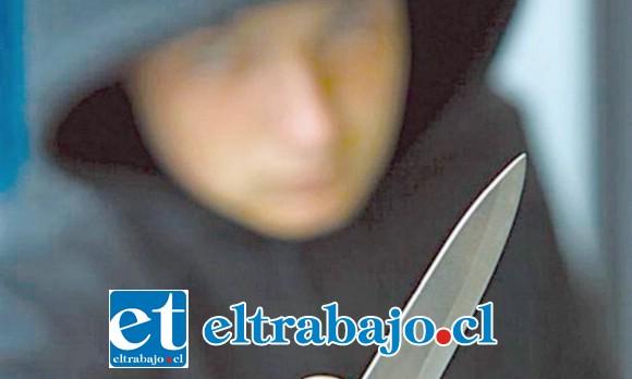La antisocial intimidó con un cuchillo a la víctima para apoderarse de sus pertenencias siendo condenada a seis años de cárcel. (Foto Referencial).