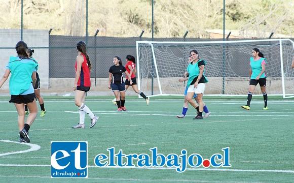 A la selección sanfelipeña le sirve empatar o ganar para llegar a la final del Regional de Mujeres.