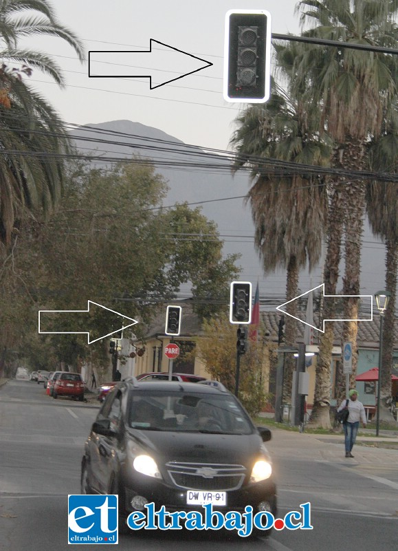 TODO LISTO.- Ya hay semáforos instalados en contra del actual sentido del tránsito, como este en O'Higgins con Traslaviña, lo que significa que este cambio direccional se hará 'sí o sí'.