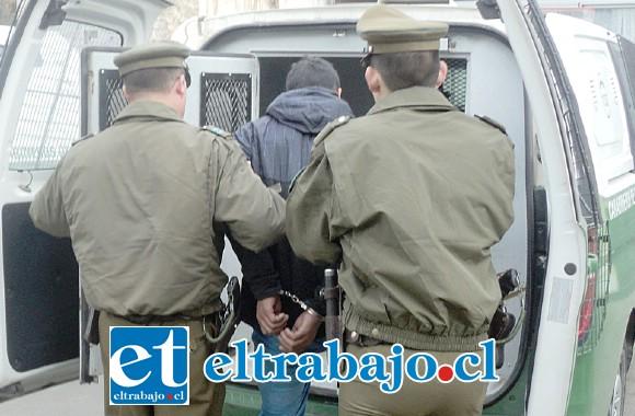 El delincuente fue capturado por Carabineros la tarde de este miércoles, acusado de abuso sexual y robo por sorpresa a una estudiante de 16 años de edad. (Foto Referencial).