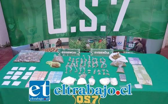 Personal del OS7 de Carabineros Aconcagua decomisó diversas cantidades de drogas, una pesa digital y dinero en efectivo desde el inmueble del actual condenado en la Villa Departamental de San Felipe.