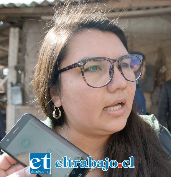 Karla Ibaceta, nuera de los dueños de esta pequeña empresa familiar.