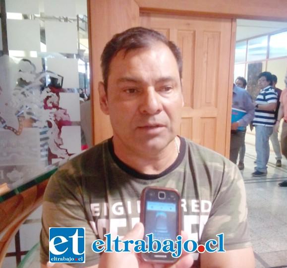 Miguel Torres, presidente de uno de los sindicatos que funcionan en la feria.