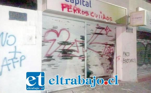 Pérdidas millonarias para Tienda Pimpo Confecciones, ubicada en Calle Traslaviña de San Felipe.