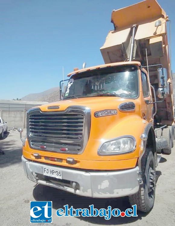 Este es el camión de propiedad de don Roque Pizarro avaluado en $35.000.000.
