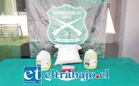 Personal de Carabineros del OS7 Aconcagua incautó medio kilo de clorhidrato de cocaína, bidones de ácido muriático y un saco de bicarbonato de sodio desde un domicilio ubicado en la comuna de Llay Llay.