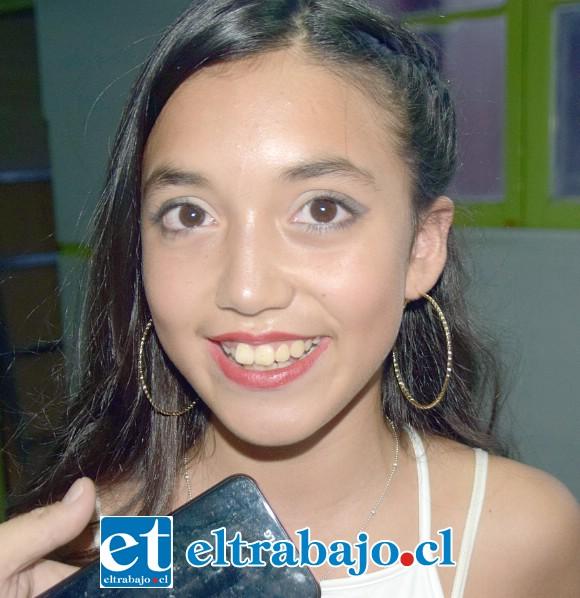 Estudiante del Liceo Cordillera, de 12 años de edad, Melany Gorri.