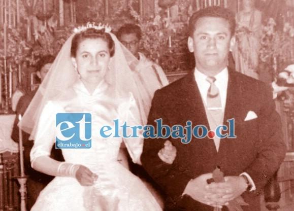 UNA GRAN BODA.- Así lucieron Sergio Caballero y su esposa Gladys Lolas el domingo 16 de septiembre de 1956 en la Iglesia Catedral de nuestra ciudad, cuando se casaron.