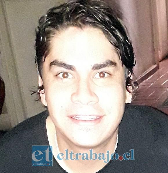 Víctor Carvajal, hijo de crianza de Sergio Caballero.