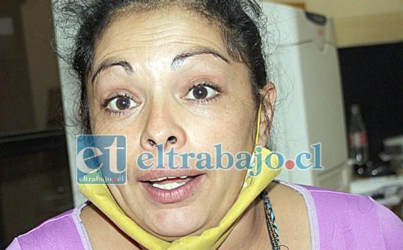 Catalina Meneses denuncia haber sido vulnerada en sus derechos.