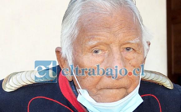 EL GRAN ROBLE.- Así luce en la actualidad este Tesoro Viviente de nuestra comunidad, Ismael Herrera Benítez a la edad de 98 años.