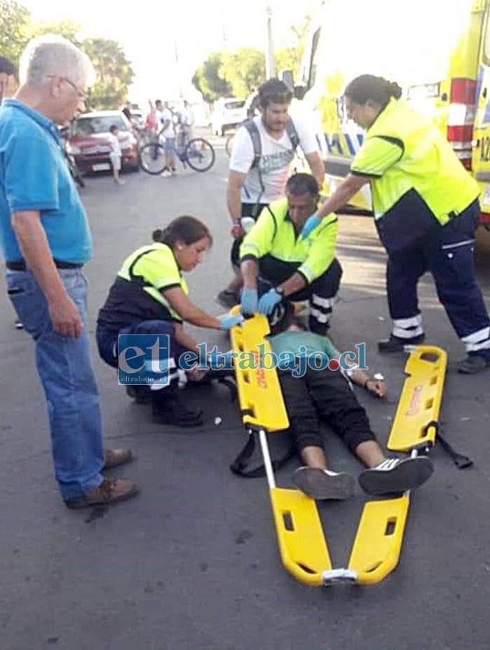 Y EL PROBLEMA SIGUE.- Este conductor al parecer, perdió una de sus manos en este accidente en Avenida Brasil.