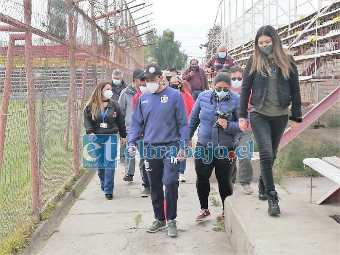 En la inspección del recinto de la Avenida Maipú estuvieron presentes distintas autoridades sanitarias y deportivas.
