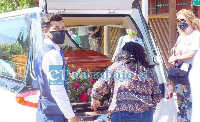 ADIÓS SANDRA.- Este doloroso capítulo se cerró este lunes en Villa Errázuriz, la querida profesora ya descansa en paz.