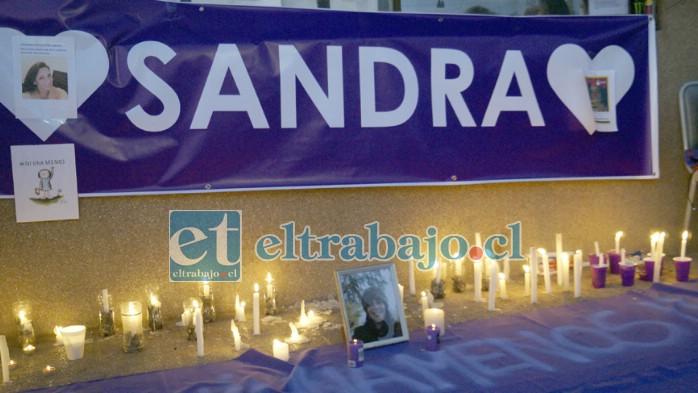 DESPIERTA SANDRA.- Muchas velas fueron encendidas para iluminar a Sandra el camino de regreso a este plano terrenal.