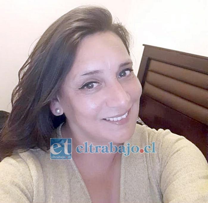 Profesora de educación Básica, Sandra Pizarro.
