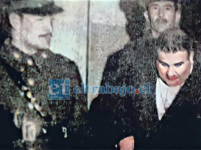 SU CONFESIÓN.- Cuando esta fotografía fue tomada habían transcurrido pocos minutos de su confesión del crimen y era trasladado a prisión. Se notan moretones en su cara.