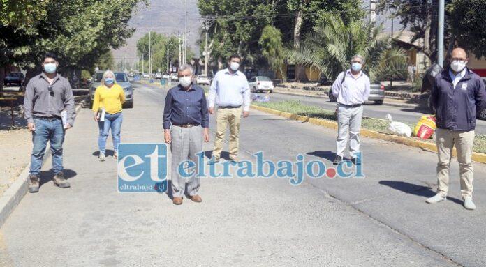 Autoridades municipales encabezadas por el alcalde Sergio Zamora se trasladaron al sector de la Avenida Alessandri cuyas calzadas serán reemplazadas.