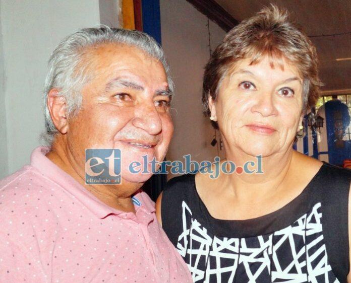 Sergio 'Pepa' Torrejón y su esposa Patricia Cataldo atienden a su clientela ahora en Coimas 332.
