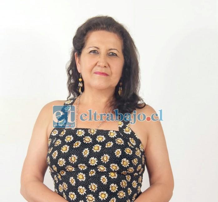 Ella es hermana de José Toro, el rey de la chicha cocida de Chile, Miriam Toro.