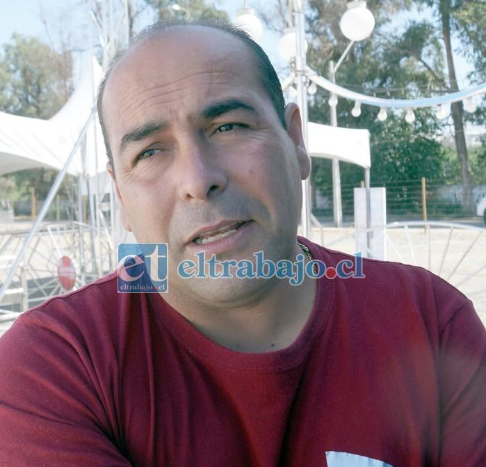 Administrador de este grupo circense, Leonardo Pino.
