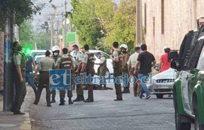 Una persona fue detenida por agresión con arma de fuego a carabineros en el sector de Almendral al negarse a un control vehicular, en un incidente no vinculado al homicidio.