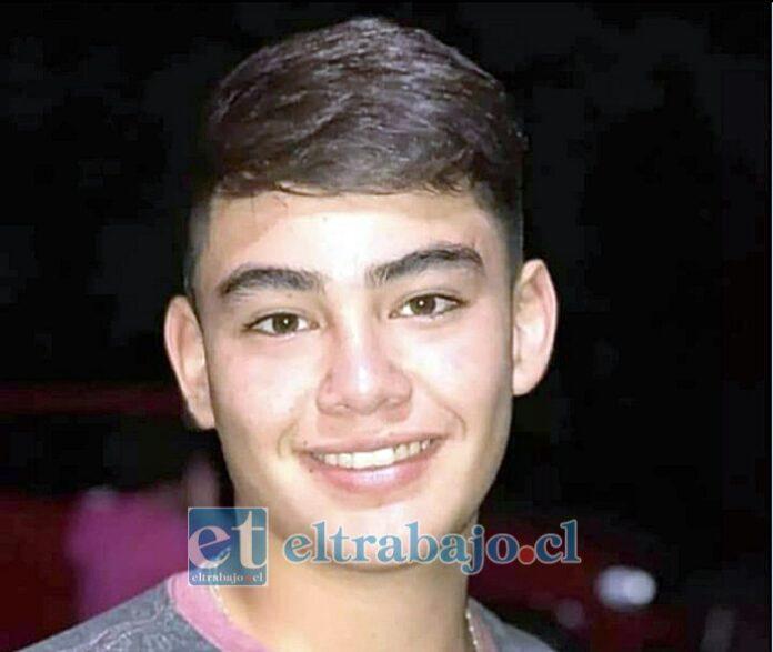 Joaquín Alejandro Vergara Núñez, de 18 años de edad, falleció en el Hospital San Camilo tras recibir un impacto de bala en la zona torácica.