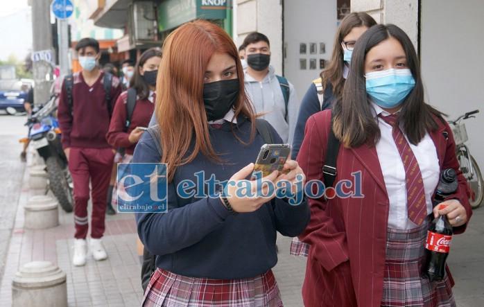 REGRESAN LOS COLEGIALES.- Sin embargo, ya los colegios particulares como el Alonso de Ercilla, desde el 1º de marzo están impartiendo clases presenciales.